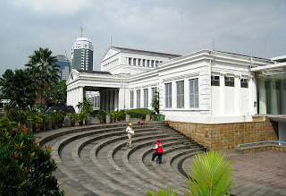Museum Nasional Republik Indonesia Gedung Gajah Arca Tampilan Depan Halaman