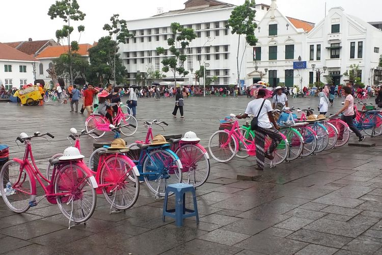 Nasib Tukang Ojek Sepeda Kota Tua Kompas Jasa Penyewaan Area