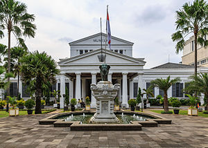 Jakarta Indonesia 2018 Travel Guide Tips Informations National Museum 01