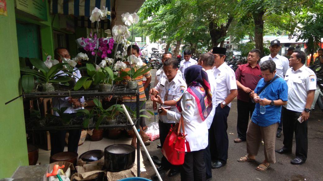 Meninjau Pasar Bunga Rawa Belong Berita Foto Kota Administrasi Glodok