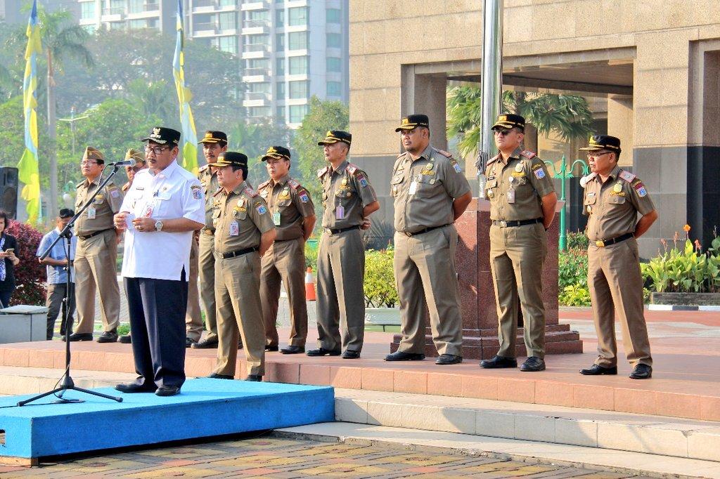 Walikota Memimpin Apel Bulanan Satpol Pp Jakarta Barat Berita Foto