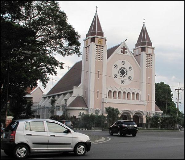Gereja Ijen Malang Katedral Terindah Indonesia Panduan Wisata Kota Administrasi
