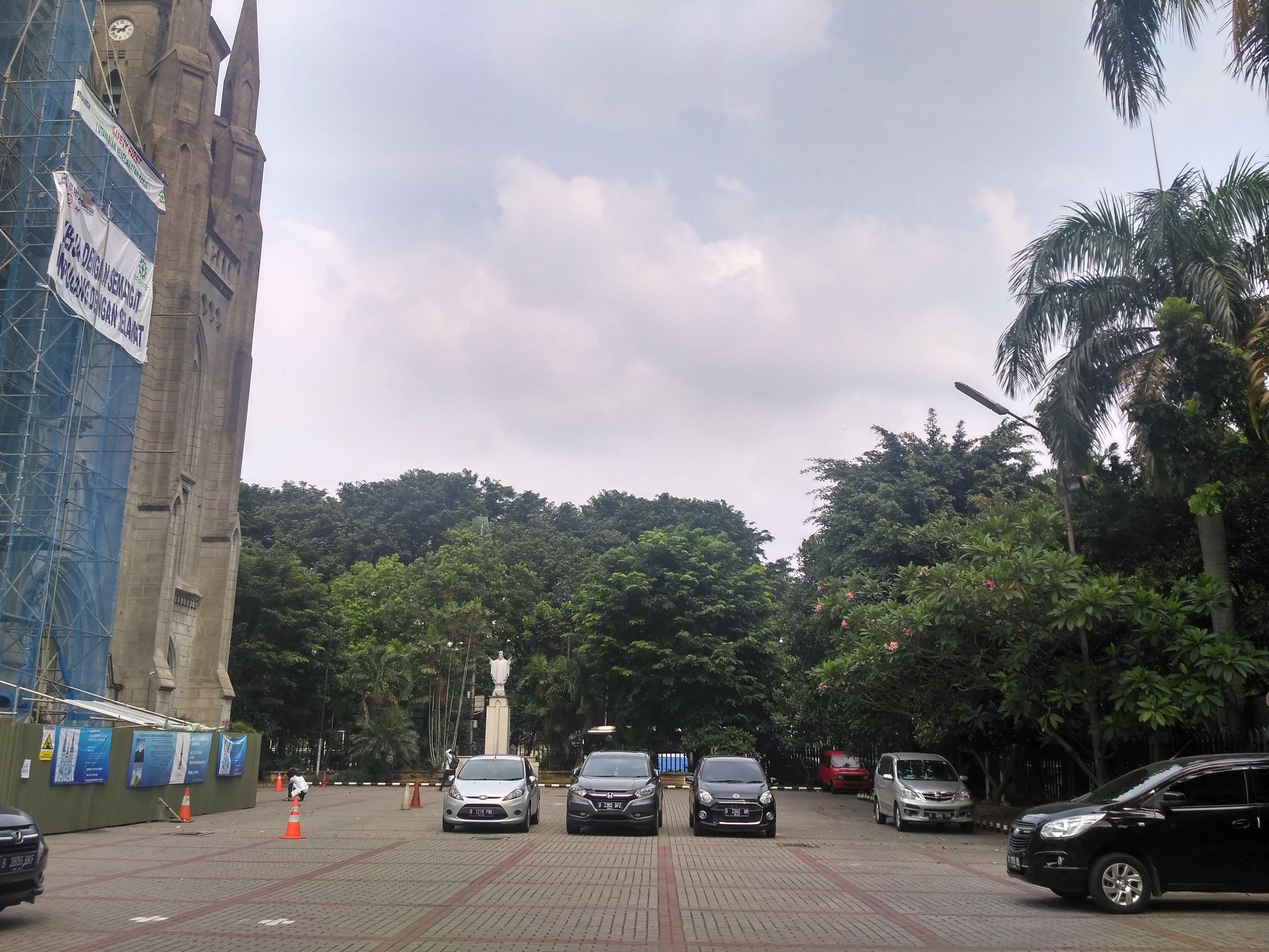 Siapkan Lahan Parkir Jemaah Salat Id Istiqlal Katedral Gereja Kota