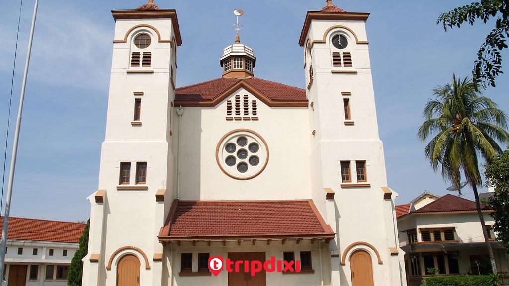 Trip Wisata Gereja Ayam Katedral Museum Day Tripdixi Kota Administrasi