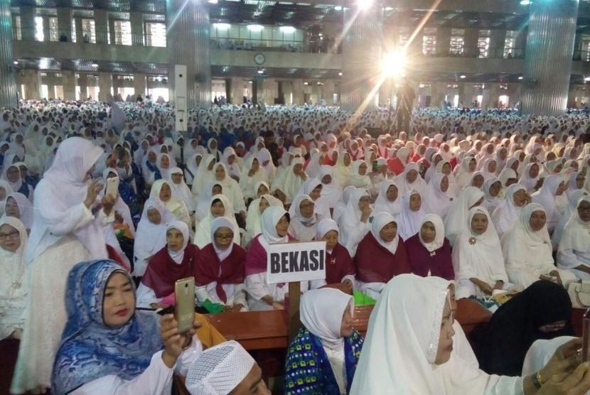 20 Ribu Jamaah Bkmt Bekasi Peringati Isra Mi Raj Istiqlal