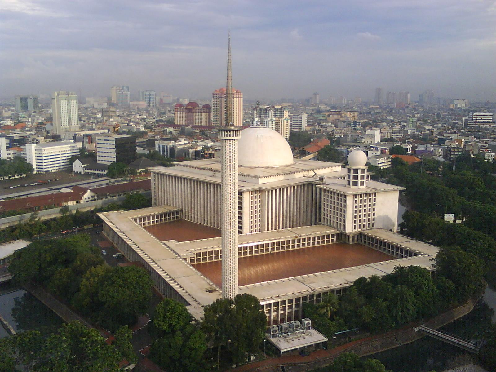 Debbyapd Oktober 2014 Masjid Istiqlal Berlokasi Jakarta Pusat Kota Administrasi