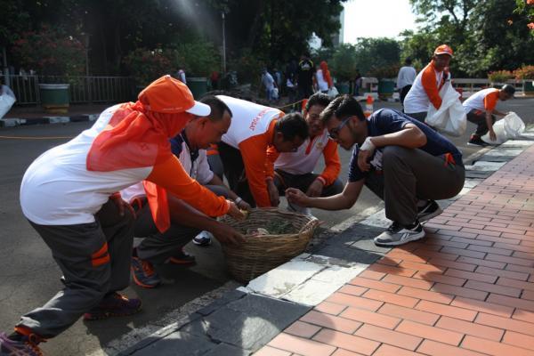 Jakarta Pusat Pemerintah Kota Administrasi Pemkot Jakpus Bersihkan Kawasan Masjid