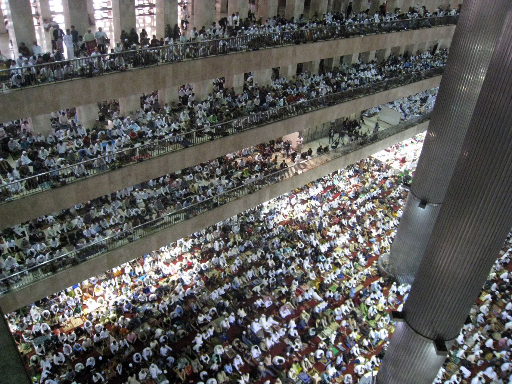 Masjid Istiqlal Wikipedia Bahasa Indonesia Ensiklopedia Bebas Salat Ied Berjamaah