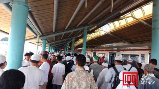 Penumpang Krl Stasiun Dekat Istiqlal Melonjak Dipadati Massa Aksi 55