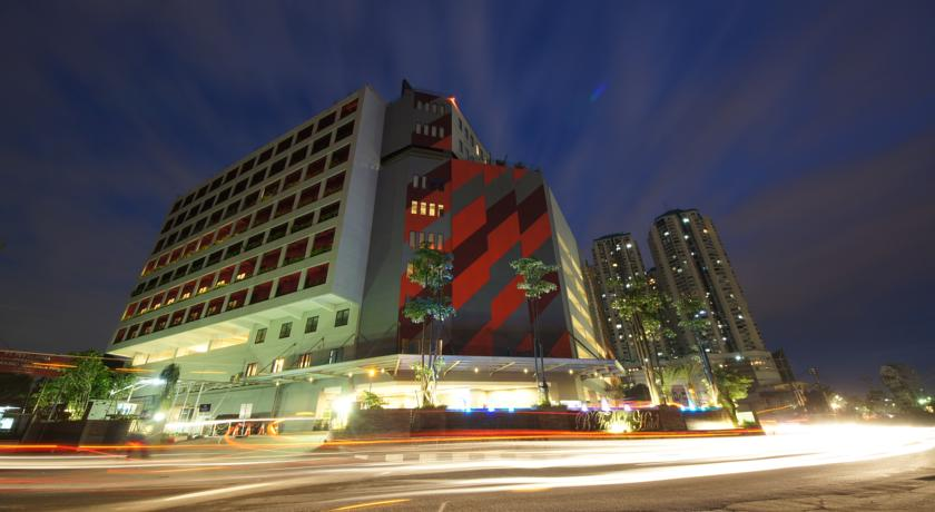 Fashion Hotel Prices Photos Reviews Address Indonesia Time Travel Museum