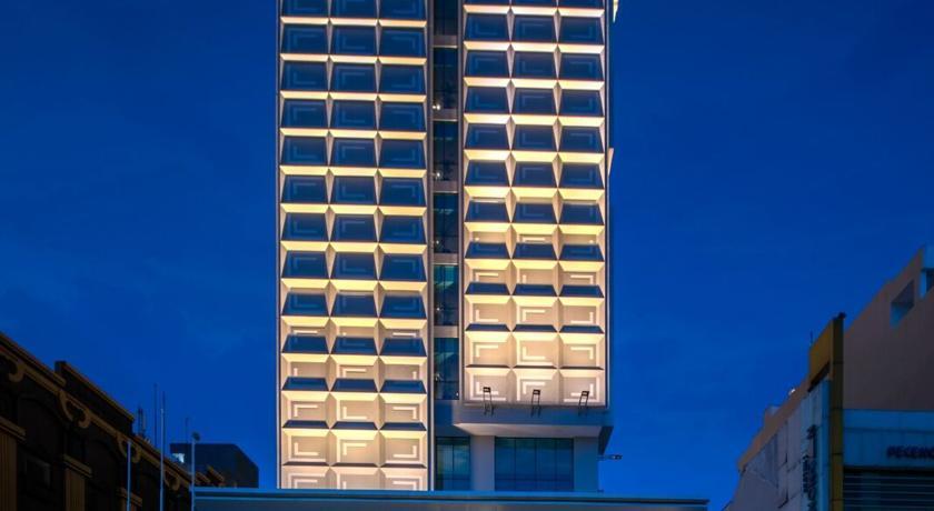 Luminor Hotel Pecenongan Prices Photos Reviews Address Indonesia Time Travel