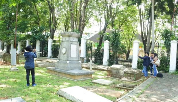 Museum Taman Prasasti Tempat Wisata Alternatif Ibu Kota Metro Suasana