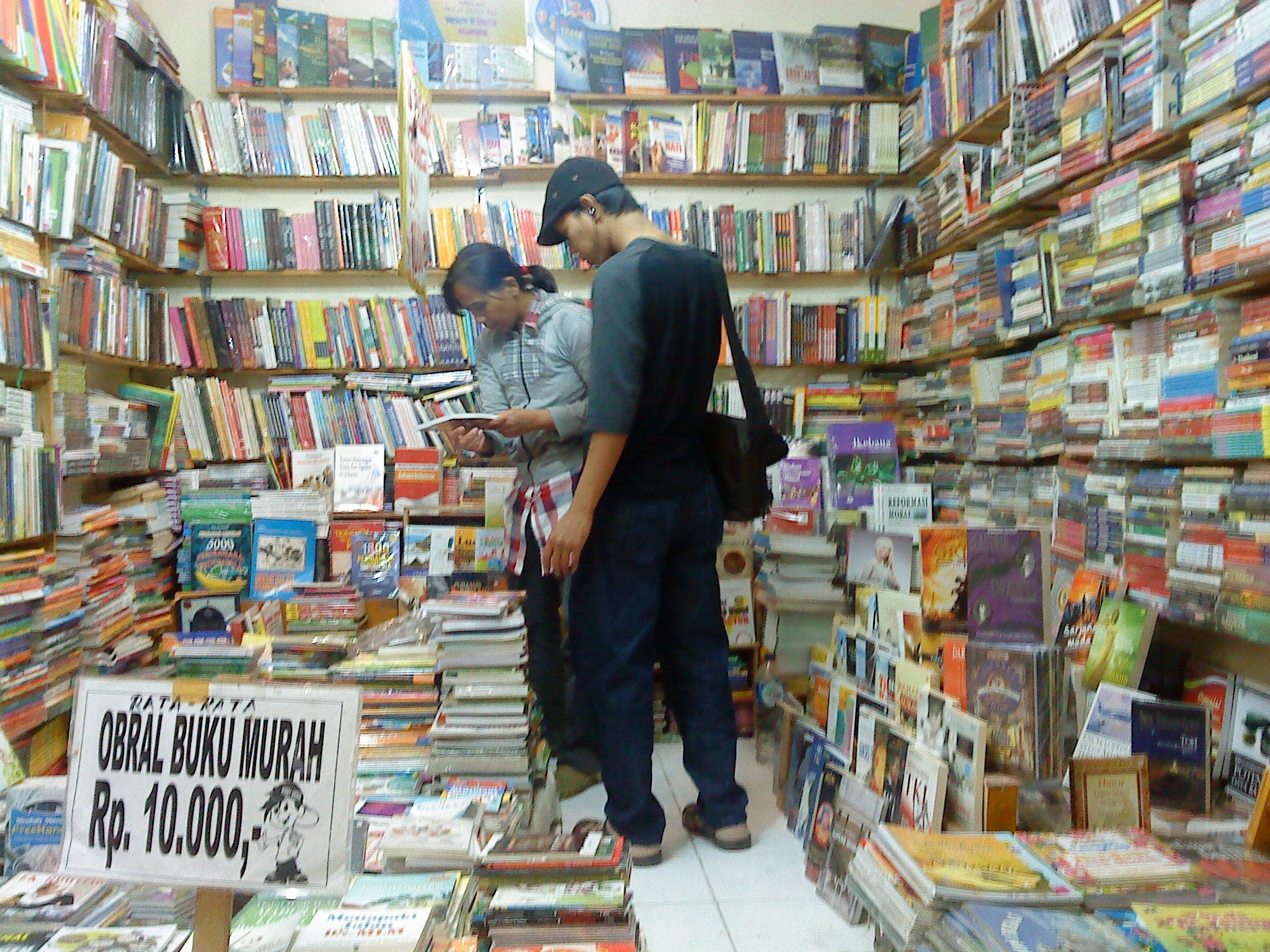 5 Tempat Berburu Buku Murah Jakarta Wisata Pasar Tanah Abang