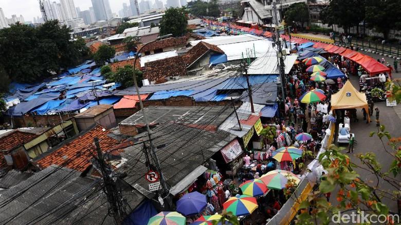 Pkl Kuasai Trotoar Jalan Jatibaru Blok Tanah Abang Foto Pasar