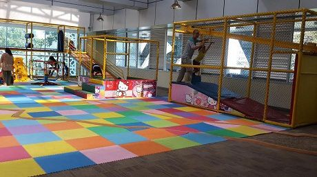 Asyiknya Anak Bermain Perpustakaan Cikini Taman Ismail Marzuki Kota Administrasi