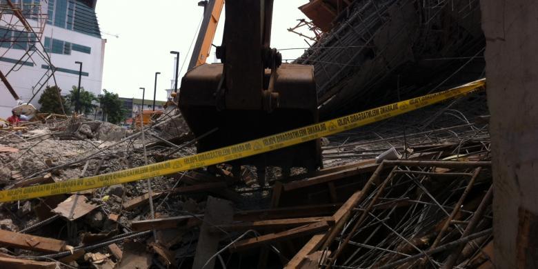Hasil Forensik Tentukan Kelanjutan Proyek Jembatan Tim Kompas Lokasi Ambruknya