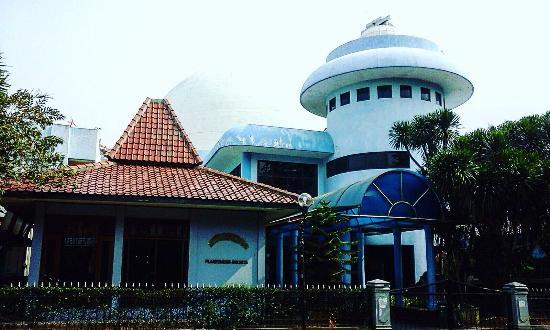 Perpustakaan Umum Jakarta Picture Taman Ismail Marzuki Tim Photo1 Jpg