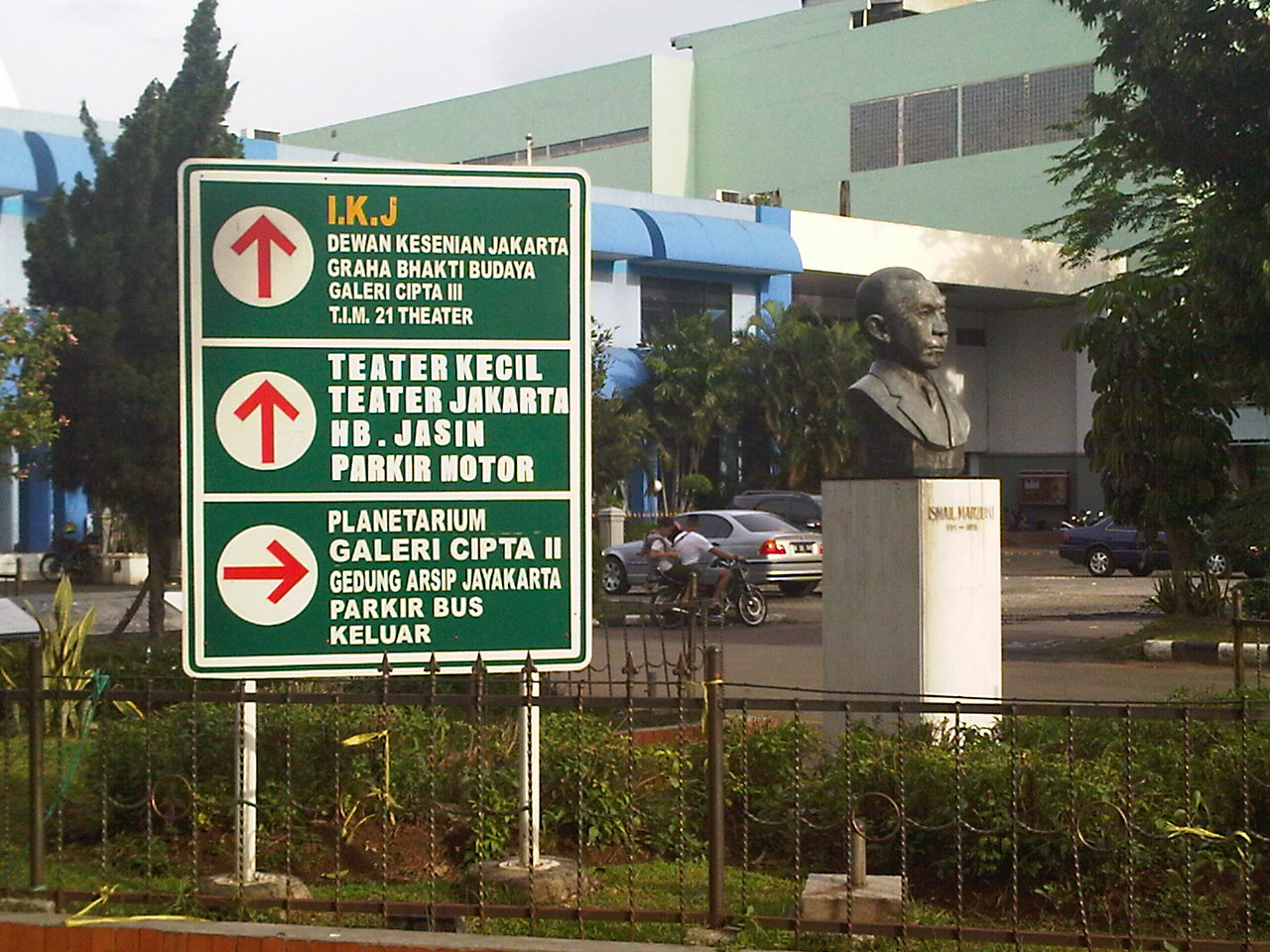Visi Anies Sandi Kesenian Jakarta Musical Promenade Menyelenggarakan Festival Olahraga