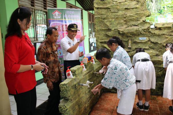 Jakarta Pusat Pemerintah Kota Administrasi Ratusan Pelajar Sdn Menteng 02
