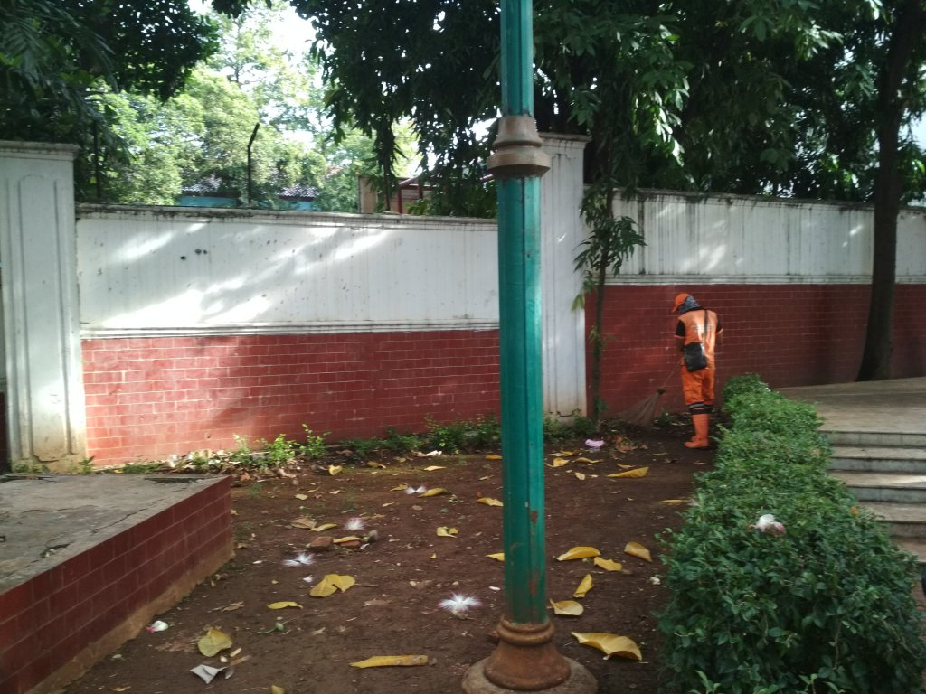 Kelurahan Menteng Ppsumenteng Twitter Kegiatan Pembersihan Penyapuan Oleh Ppsu Dijalan
