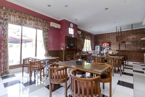Reddoorz Taman Menteng Bintaro Prices Photos Reviews Address Hotel Room