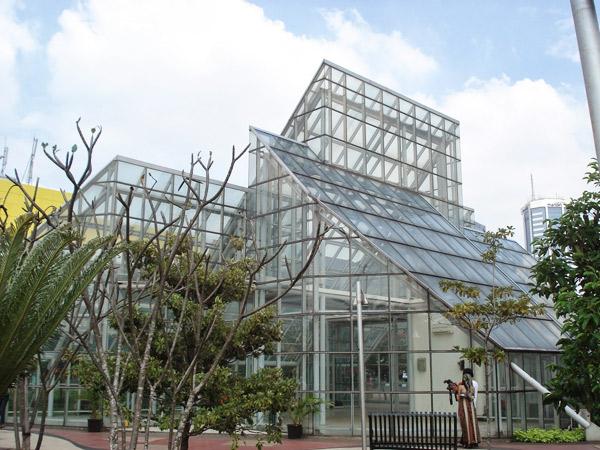 Taman Kota Jakarta Mempercantik Bermanfaat Rekreasi Green House Menteng Administrasi