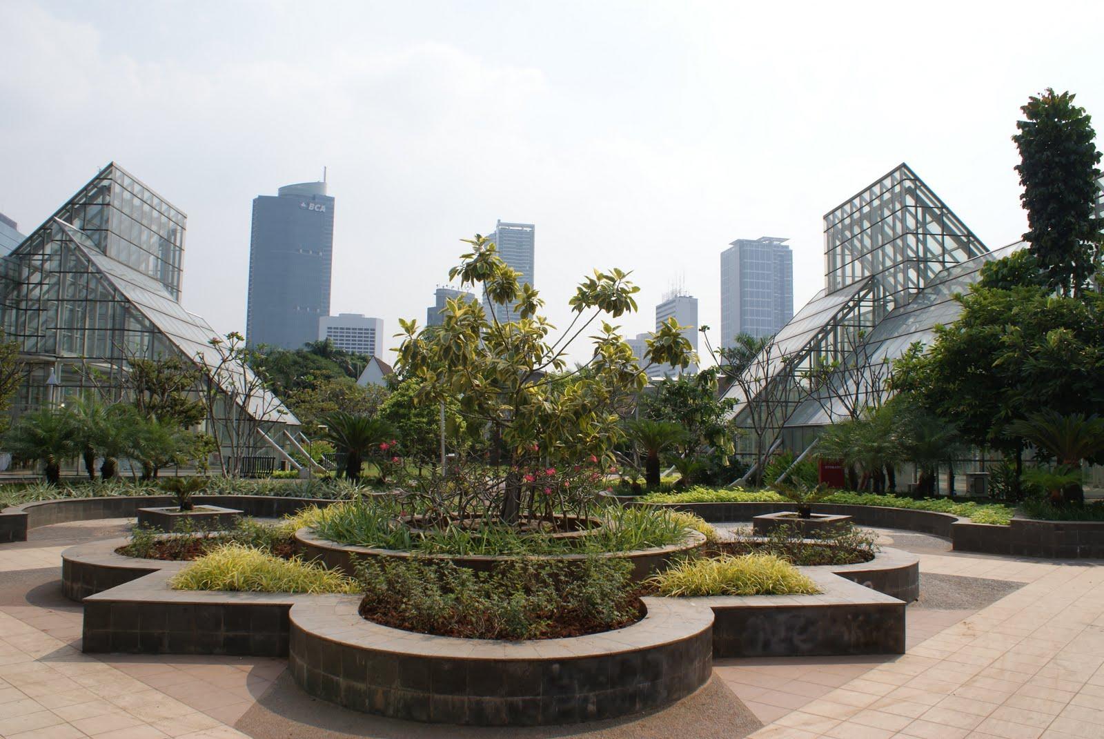 10 Tempat Nongkrong Jakarta Pusat Wajib Kamu Kunjungi Taman Menteng