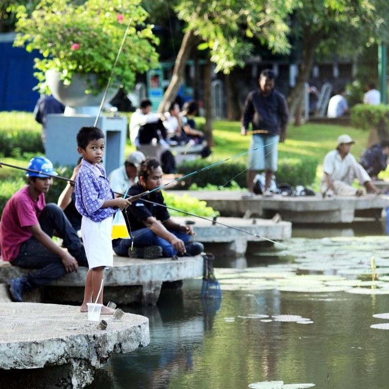 Kedamaian Lembang Tengah Keriuhan Kota Anak Mencoba Memancing Setelah Pulang