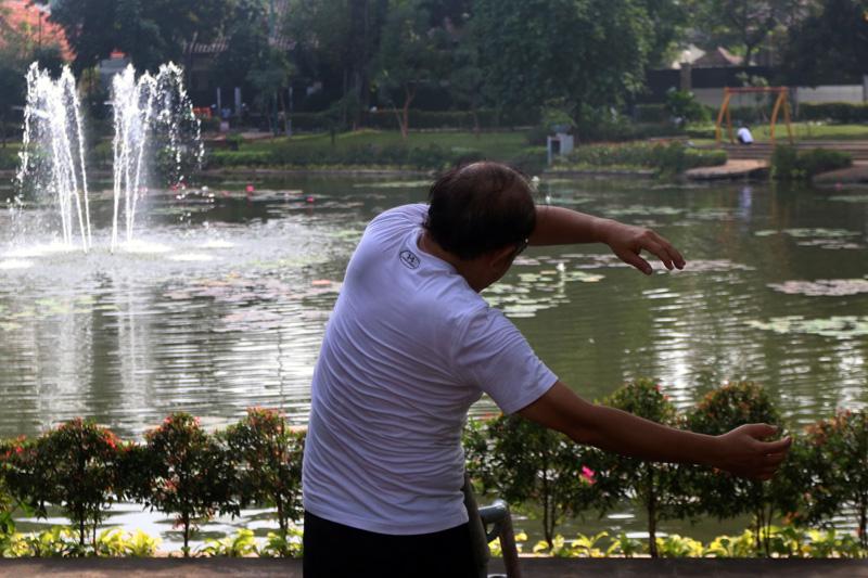 Taman Lembang Ditutup Warga Berolah Raga Kota Administrasi Jakarta Pusat