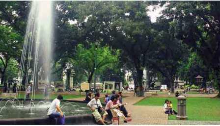 48 Tempat Wisata Jakarta Seru Wajib Dikunjungi Taman Suropati Kota