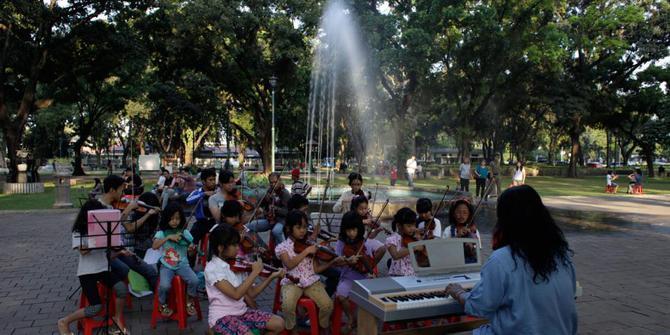 Aktivitas Weekend Ala Anak Muda Jakarta Pusat Bertepatan Jl Taman