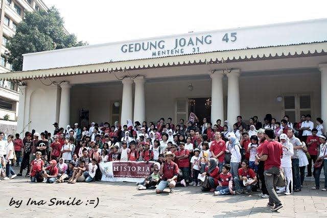 Ina Smile Wisata Jelajah Kota Taman Tertua Jakarta Suropati Administrasi