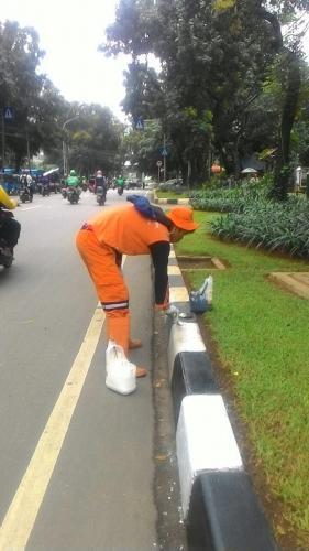 Jakarta Pusat Pemerintah Kota Administrasi Sapras Kebon Sirih Dibersihkan Taman
