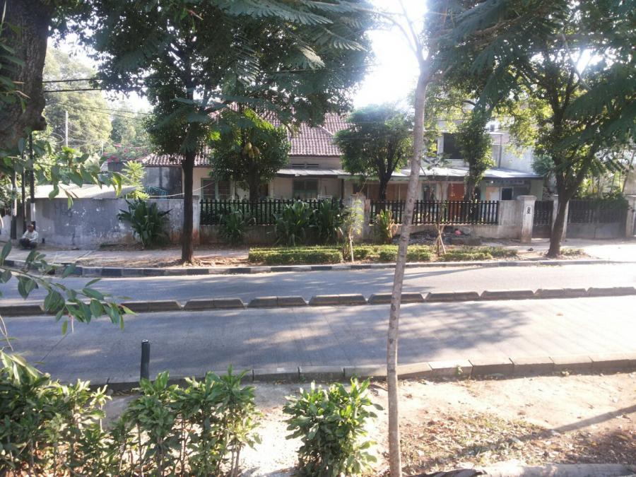 Rumah Dijual Tua Murah Latuharhary Menteng Jakarta Pusat Taman Suropati