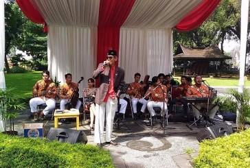 Tag Wakil Walikota Jakarta Pusat Keroncong Hibur Pemilih Tps Taman