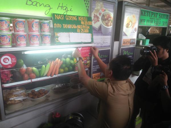 Jakarta Pusat Pemerintah Kota Administrasi Acuhkan Kebersihan Lapak Lenggang Diberi