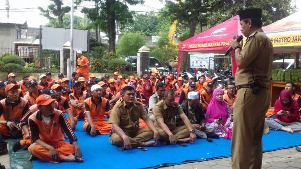 Jakarta Pusat Pemerintah Kota Administrasi Jalin Kekompakan Kelurahan Menteng Gelar