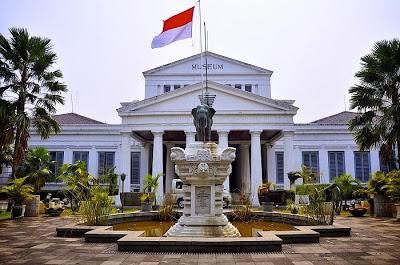Jelajah Jakarta Tempat Wisata Pusat Museum Nasional Kuliner Pecenongan Kota