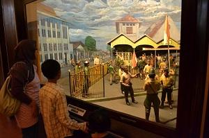 Oktober 2012 Thejakartareview Didalam Kompleks Museum Musium Satria Mandala Kota
