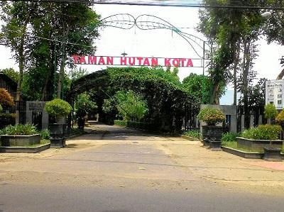 10 Hutan Kota Indonesia Trenggalek Tulungagung Jambi Depok Signage Areal