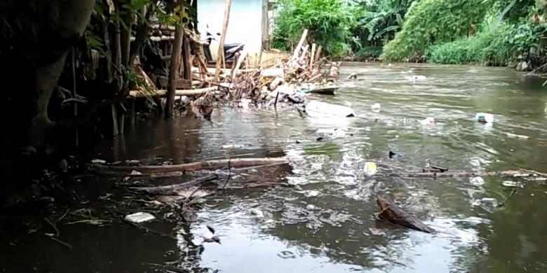 Penertiban Bantaran Krukut Jagakarsa Ditunda Kompas Kondisi Cipete Utara Kebayoran
