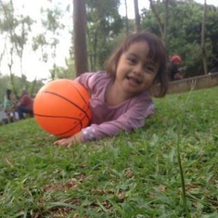 Sore Spathodea Akrom Muhammad Isteri Anak Adik Ipar Terlihat Menikmati