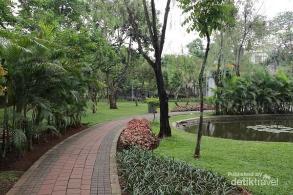 Taman Asyik Buat Olahraga Jakarta Selatan Spathodea Berada Jalan Kebagusan