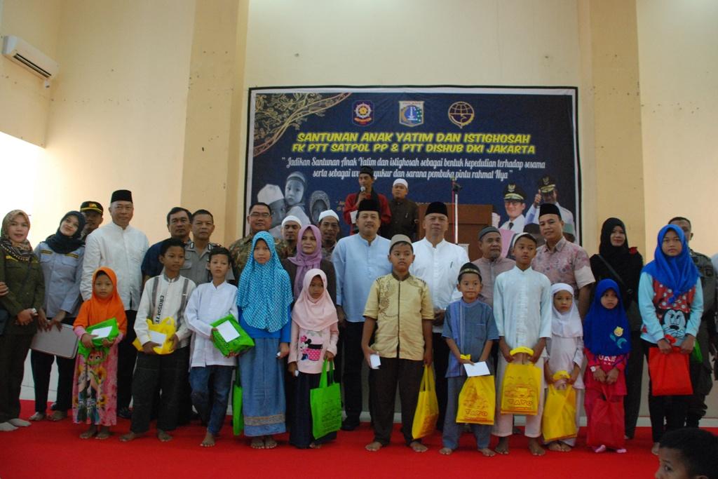 Wali Kota Tutup Festival Olahraga Rakyat Tingkat Kecamatan Cipayung Ptt