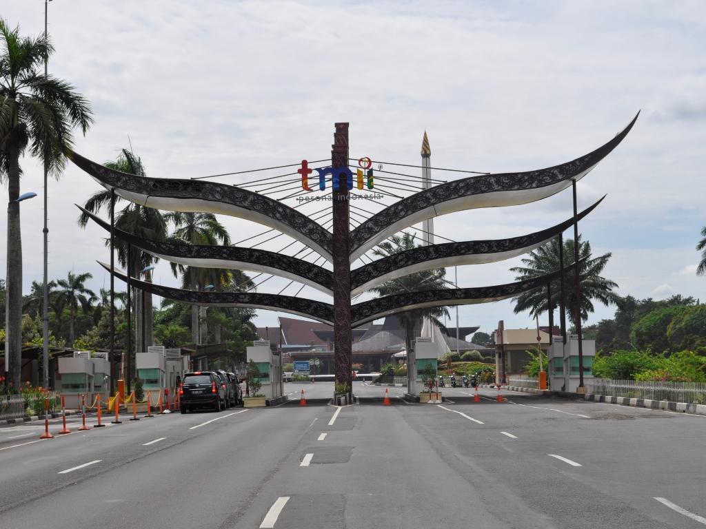 Pemerintah Kota Administrasi Jakarta Timur Foto Kip Taman Mini Indonesia