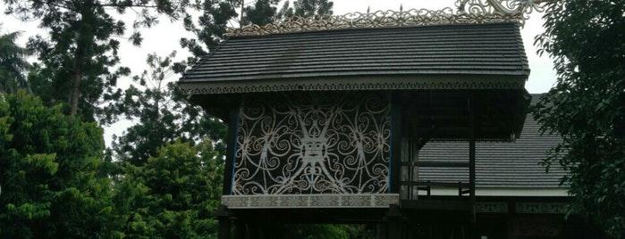 Visit Taman Mini Indonesia Indah Tmii Anjungan Kalimantan Timur Kota