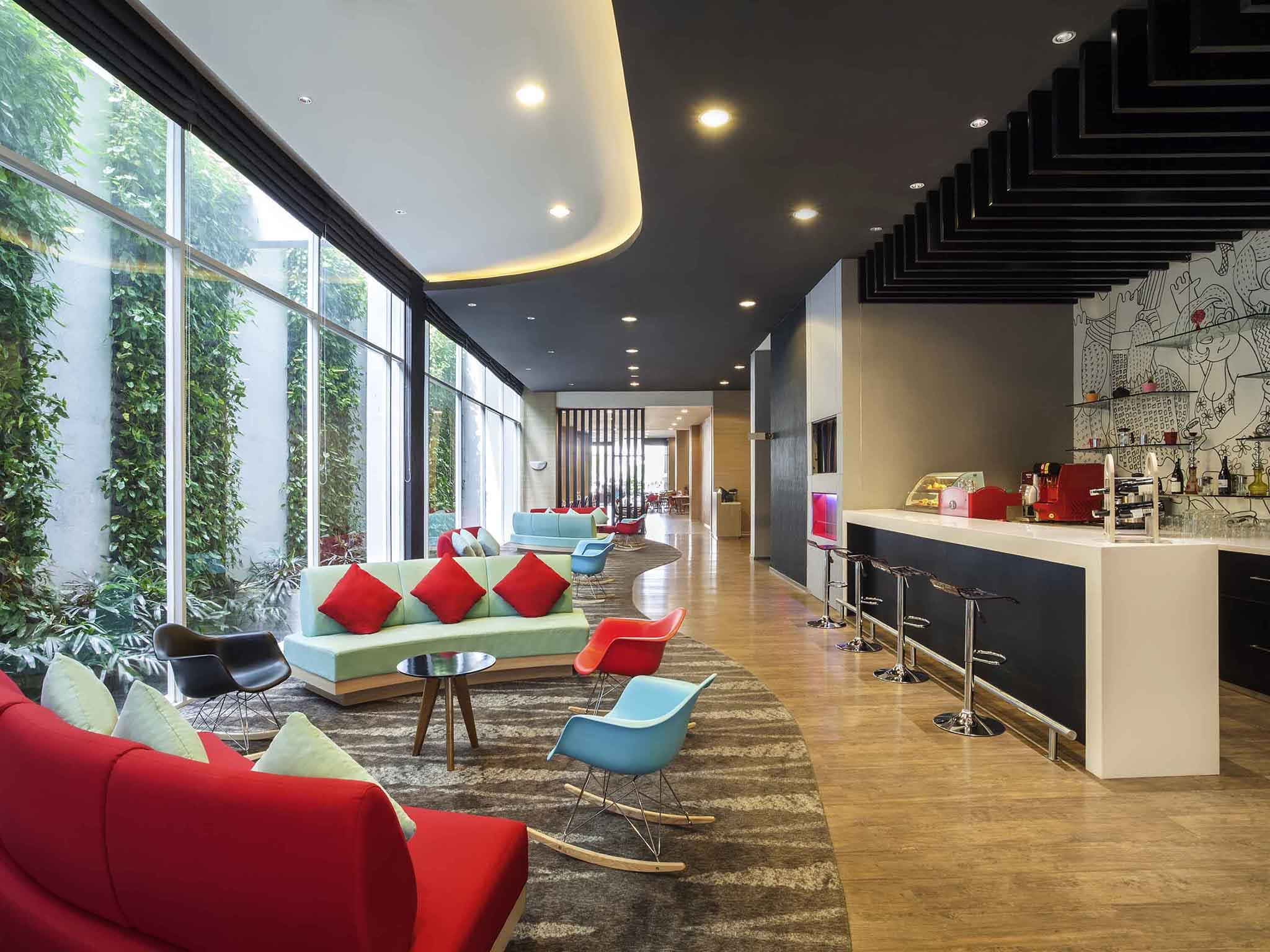 Hotel Jakarta Ibis Harmoni Bar Alive Museum Ancol Kota Administrasi