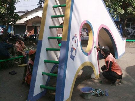 Jakarta Utara Beritajakarta Id Sarana Bermain Taman Cilincing Bhakti Dicat