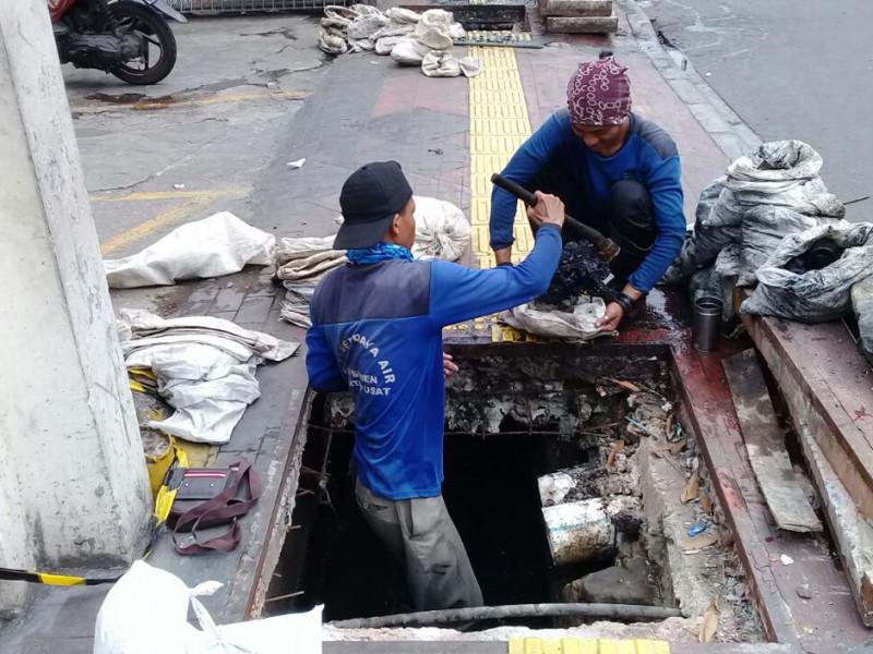 Perbaikan Bak Kontrol Pengurasan Saluran Jalan Salemba Kec Senen Dunia