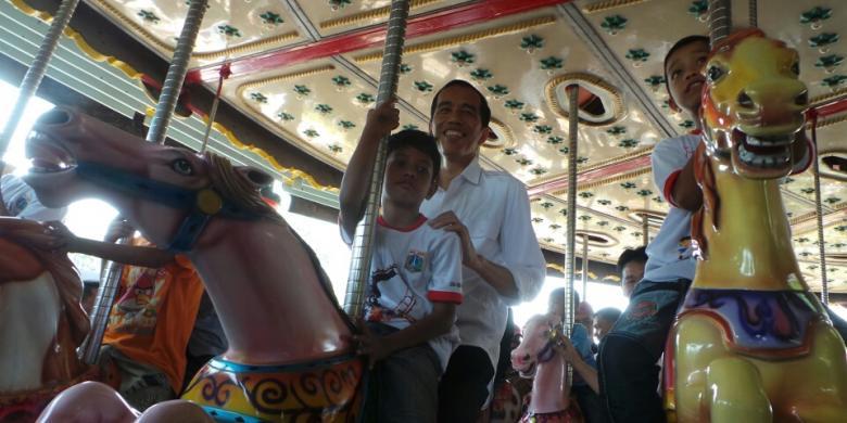 Jokowi Main Kuda Kudaan Bareng Anak Jalanan Dufan Kompas Dunia